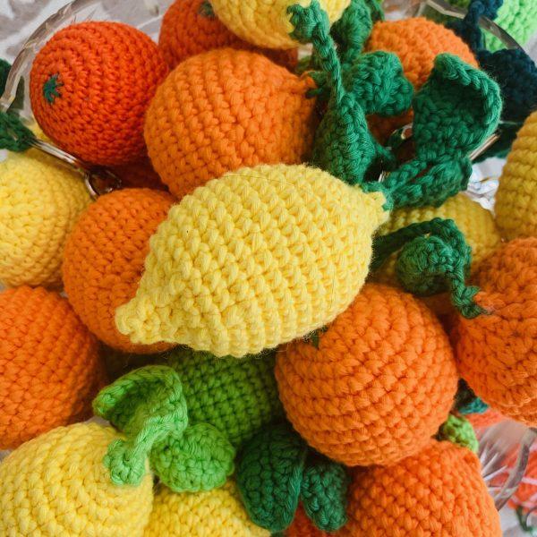 LALI-lalivontriulzi-triulzi-slowfashion-vienna-austria-orange-handgehäkelt