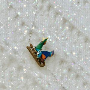 slowfashion-nachhaltig-madeinaustria-wien-Lieblingsstueck-Ohrringe-winter-ski-schnee-handgemacht-unikat