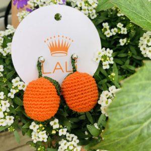 slowfashion-nachhaltig-madeinaustria-wien-Lieblingsstueck-Ohrringe-zitrone-gehaekelt-handgemacht-unikat-orange-ohrstecker